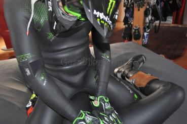 Picture censored: Rubber, Neoprene and Leather Gear Part 3