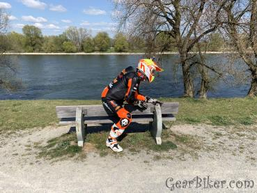 Picture censored: On the way with KTM leather suit