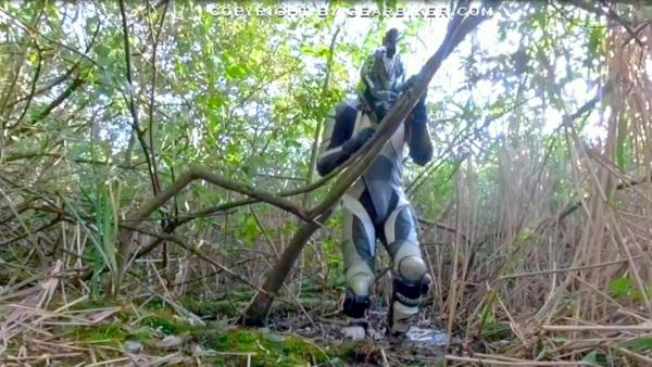 Movie censored: In the mud with Alpinestars SMX leather suit and MX Boots